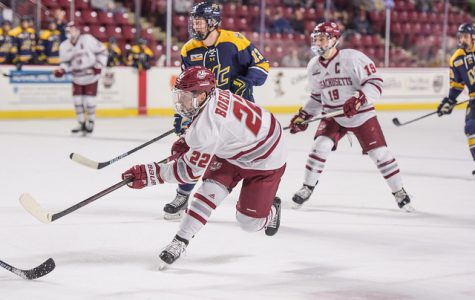 UMass hockey soars to 5-1 win behind Brett Boeing's two-goal game