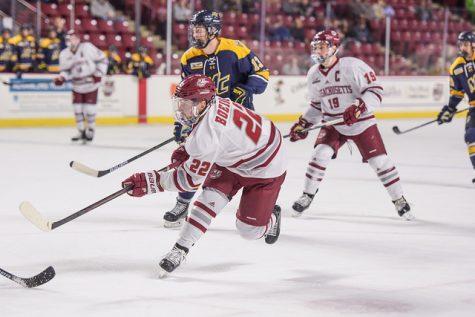 UMass hockey soars to 5-1 win behind Brett Boeing's two-goal game