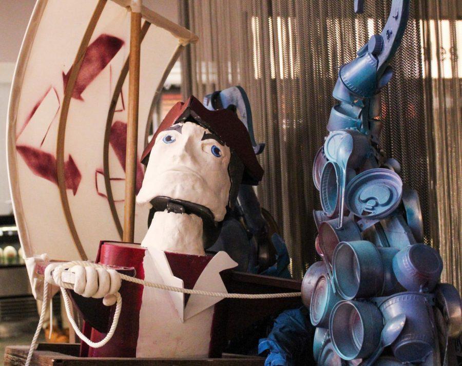 可持续发展怪物雕塑亮相Blue Wall餐厅