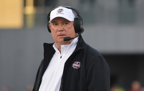 Report: UMass to let go of football coach Mark Whipple