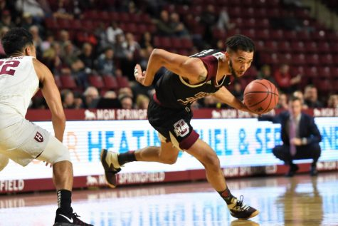 Carl Pierre's breakout performance helps UMass men's basketball over Western Carolina