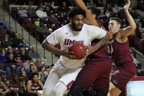 Report: UMass guard Donte Clark to declare for NBA Draft without agent