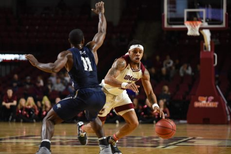 UMass men's basketball drops fourth straight game after second-half struggles against La Salle