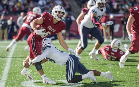 Poor third quarter hinders UMass football in loss to BYU