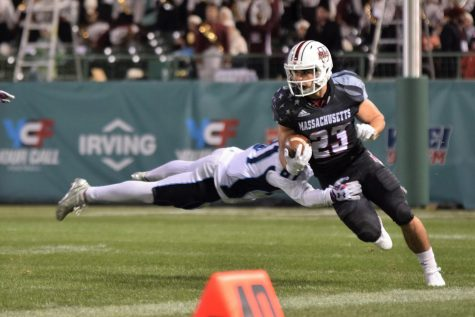 UMass football picks up first win of the season in blowout win over Georgia Southern
