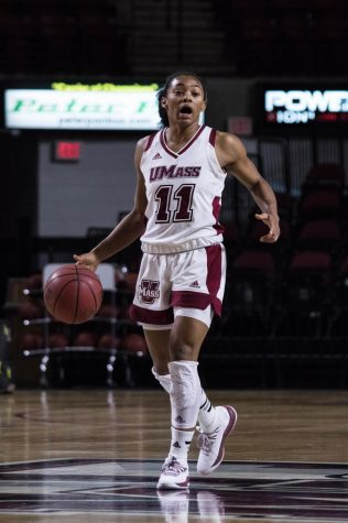 Stellar guard play carries UMass to win over Sacred Heart