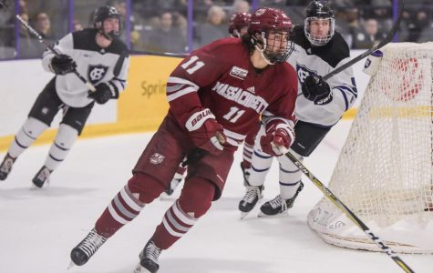 Bobby Kaiser's goal lifts UMass hockey to 3-1 win over Holy Cross