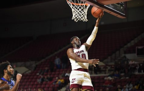 UMass men's basketball prepares for first game Tuesday night