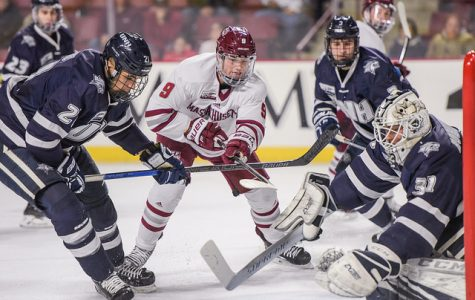 UMass hockey knocks off New Hampshire 4-2