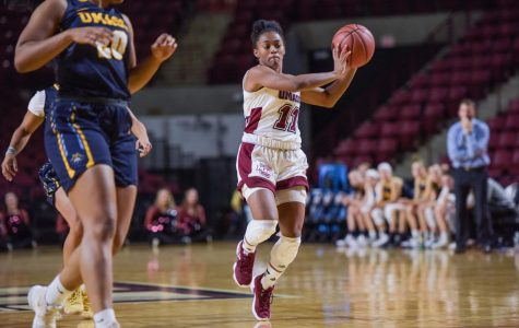UMass women's basketball wins two of three at Brown Turkey Tip-Off
