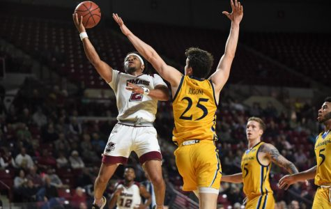 UMass looks to stay hot at Temple