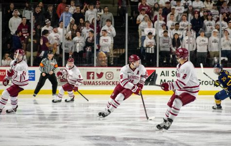 UMass hockey strives to keep winning ways going at home on Tuesday