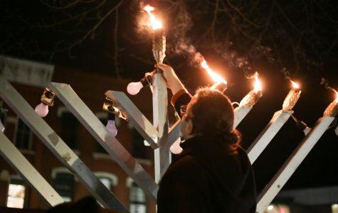 Local Jewish group celebrates Hanukkah on the Amherst Common