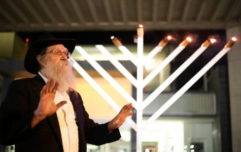 Chabad House and Hillel House host menorah lighting at UMass