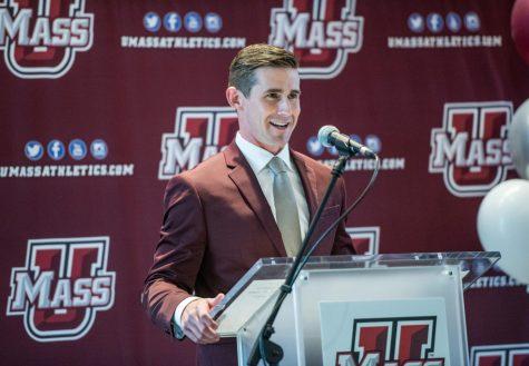 UMass hockey's comeback bid dashed by UConn