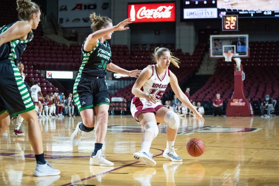 Paige+McCormick+shines+in+her+first+start+of+the+season