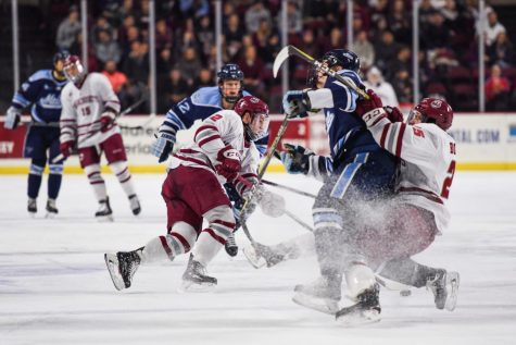 Morning Wood: Cale Makar signs pro contract, leaves UMass after one season
