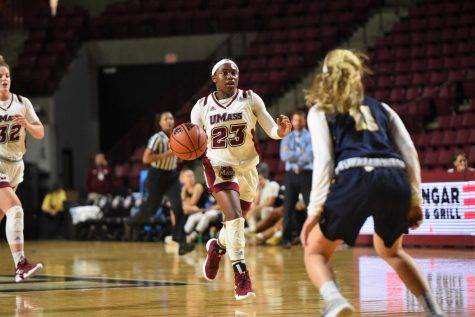 UMass men's basketball shows improvement in 3-point shooting.