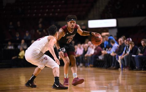 UMass hangs tight, falls late at Saint Louis