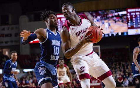 UMass men's basketball looks to earn road win against La Salle