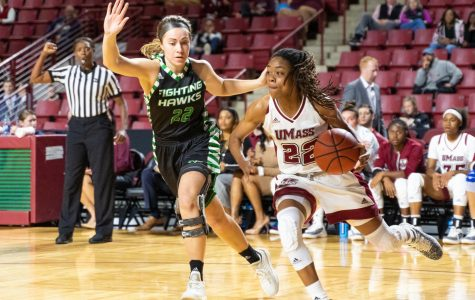 UMass grinds out win over conference opponent La Salle