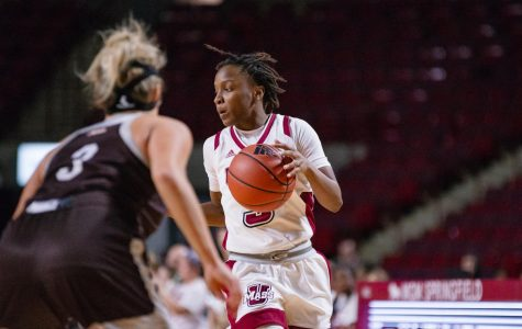 Women's basketball falls in tight contest versus St. Bonaventure
