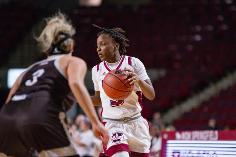 Women's basketball falls in tight contest versus St. Bonaventure