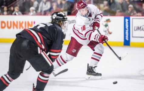 No. 1 UMass suffocates No. 8 Northeastern in 6-1 victory