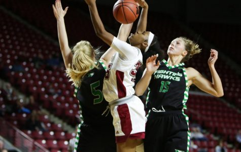 Sluggish offense hurts UMass in 70-52 loss to George Mason
