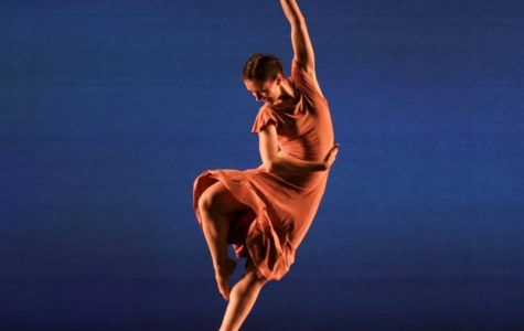 Dancers reflect and respond on stage