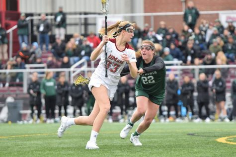 UMass overwhelms Holy Cross