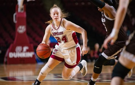 UMass ends losing skid with 69-66 win over Duquesne