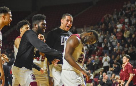 Clergeot's late heroics lead UMass to upset over Davidson