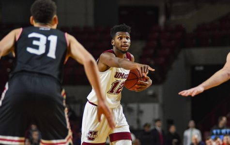 UMass squanders late lead, falls in OT to George Mason