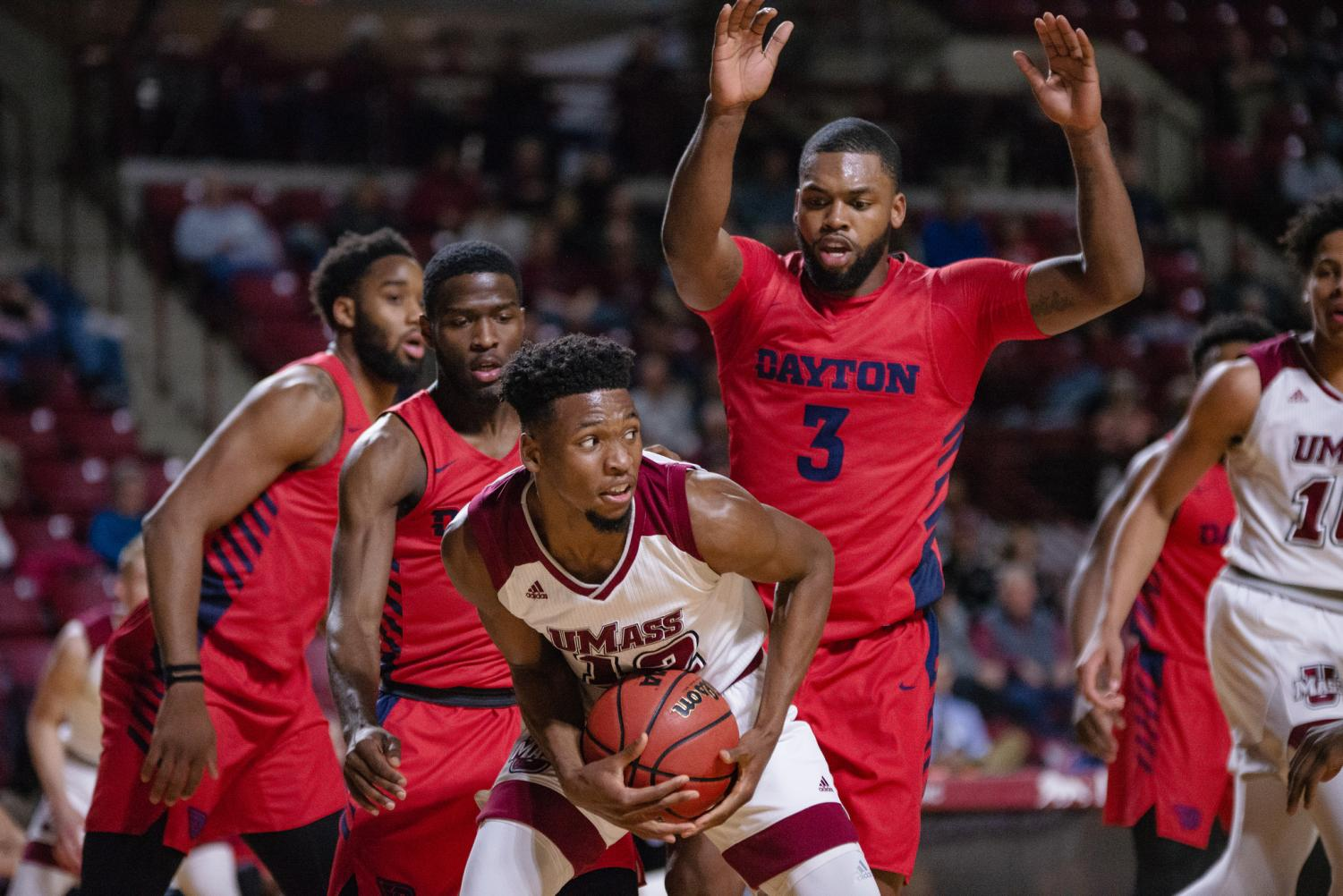 purchase cheap 55bf1 c3009 GALLERY: Men's basketball loses to Dayton Flyers ...