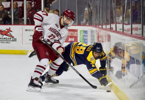 UMass hockey falls short against Yale in 5-3 loss Friday