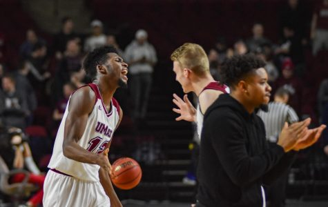 Carl Pierre comes up big, leads UMass over St. Joe's