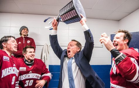 No. 2 UMass clinches Hockey East regular season title