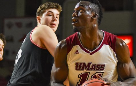 UMass men's basketball falls to George Washington in D.C.