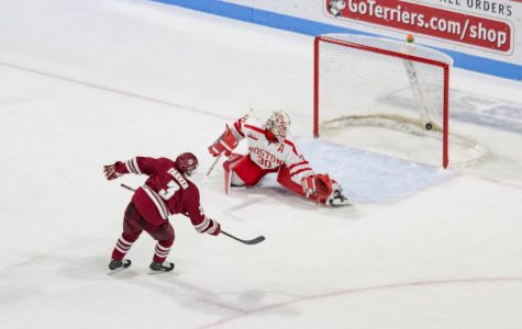 Ty Farmer's two goals lift No. 2 UMass to 7-5 win over Boston University