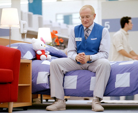 Photo from One Hour Photo's IMDB page.