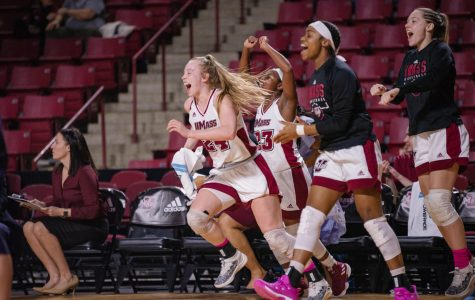 UMass women's basketball wins double-overtime thriller in A-10 Tournament