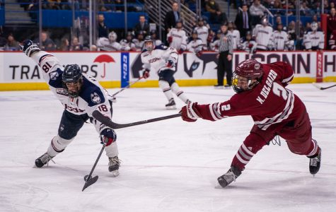 Minutemen drop regular-season finale at UConn, 4-3