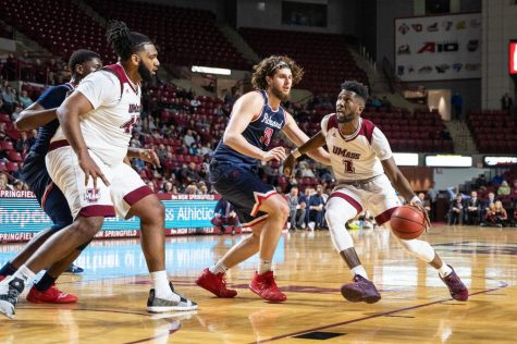 Strohecker: Impact of UMass seniors reflected by ovation on Senior Day