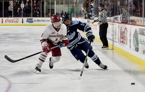 UMass hockey steamrolls Maine in final home game