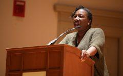 La fundadora del movimiento 'Me Too' Tarana Burke habla sobre liderazgo comunitario y activismo