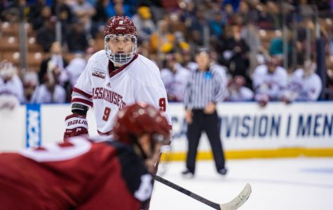 GALLERY: UMass Men's Hockey in NCAA Regionals