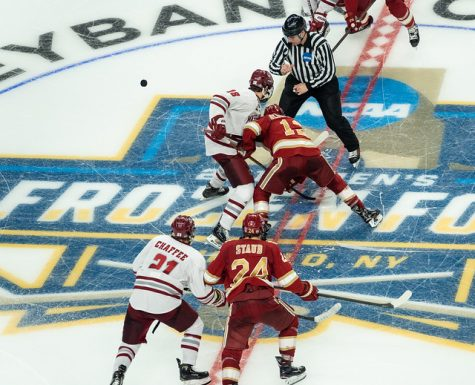 UMass hockey outlasted at home against No. 6 UMass Lowell
