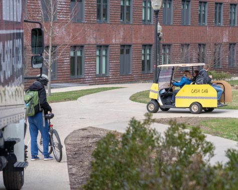 Cash Cab offers students free rides around UMass with special guests and personal finance trivia