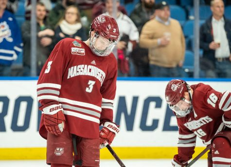 Freshman Alex Wakaluk learns from first game in net for UMass hockey